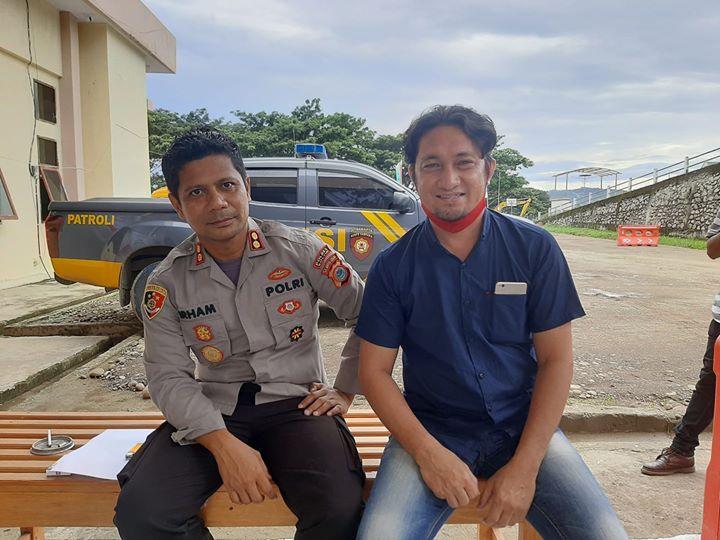 Kapolres Boltim Irham Halid Bersama Ketua PWI Boltim Faruk Langaru
