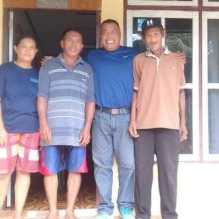 Bappilu Nasdem Boltim bersama warga.(foto:ist)