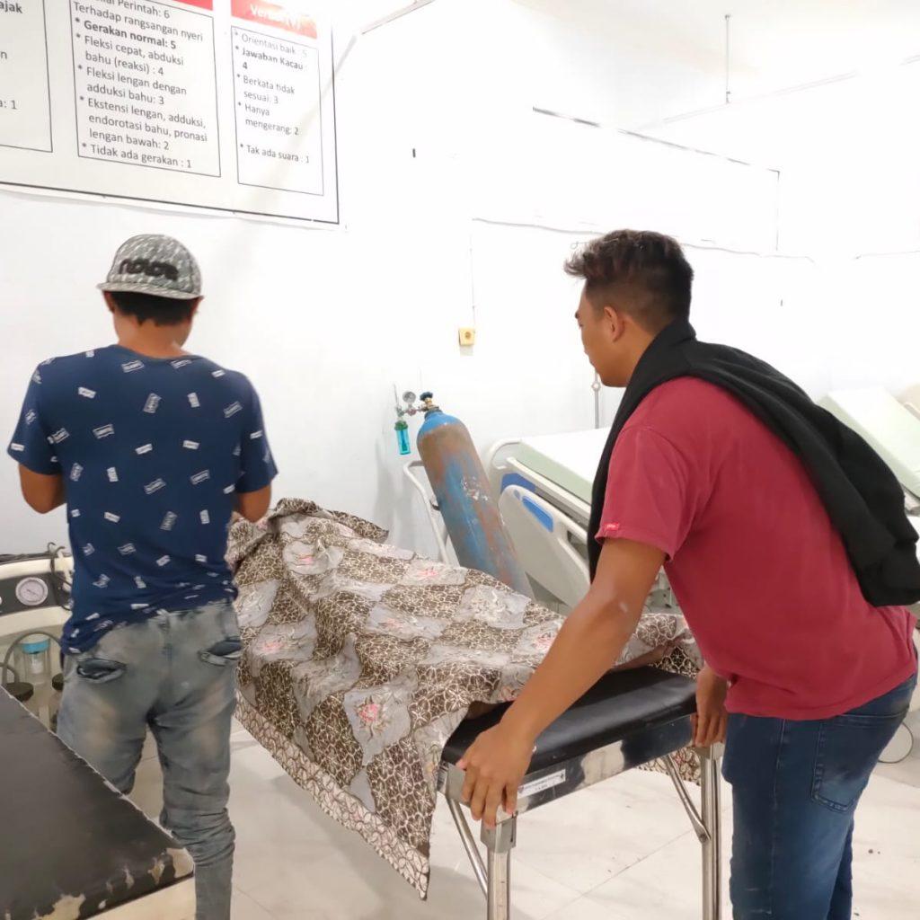 Korban RH saat berada di Puskesmas Tutuyan.(foto:ist)