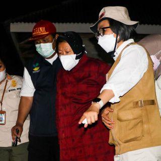 Menteri Risma Kunjungi Lokasi Banjir Bandang Desa Batu Merah